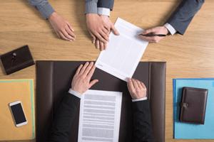 Трудовой контракт и трудовой договор: отличия в 2020 году