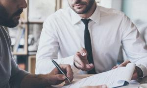 Работодатель не отдает трудовую книжку и расчет после увольнения, что делать