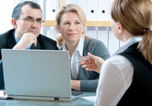 Увольнение пенсионеров: нужна ли отработка 2 недели?